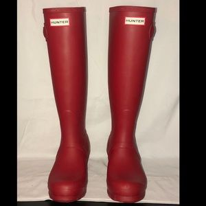 Hunter Tall Red Matte Boots Size 5 Fits 6.5 NWOT
